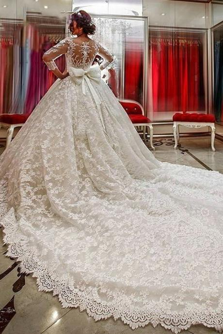 Scoop Neck Long Sleeves Lace Appliques Court Train Wedding Dress